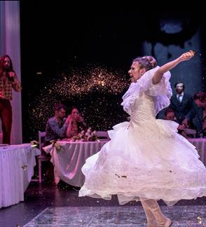 """""""Ponia bus patenkinta, arba Veikalas apie paskutines vestuves Kamyko kaime"""" (N - 18! ) / Teatr Nowy (Lenkija, Poznanė) /  II tarptautinis teatro festivalis """"TheATRIUM"""""""