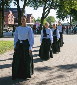 Šeiko šokio teatras: Šachas Prūsijai. Luizė Mėmelyje