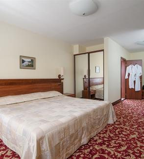 """Two nights relaxation for two at """"VIOLETA"""" hotel!"""