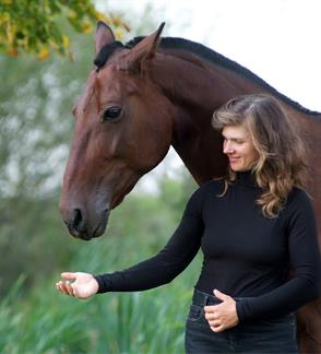 Žirgo nuoma fotosesijai žirgyne