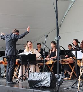 """Šiuolaikinės akademinės muzikos koncertas ,,Aistmarės"""""""